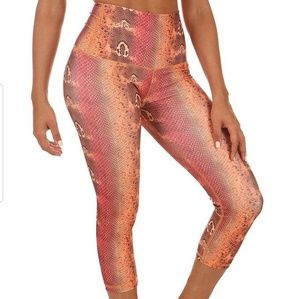 Super Cute Mika Yoga Wear Capri Leggings